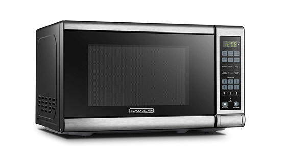 BLACKDECKER-EM720CB7-microwave-for-small-spaces