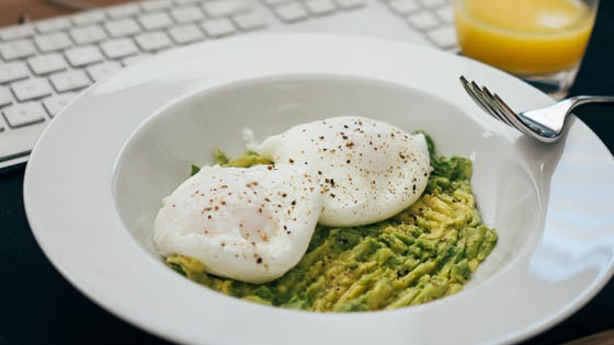 how-to-safely-cook-eggs-in-microwave