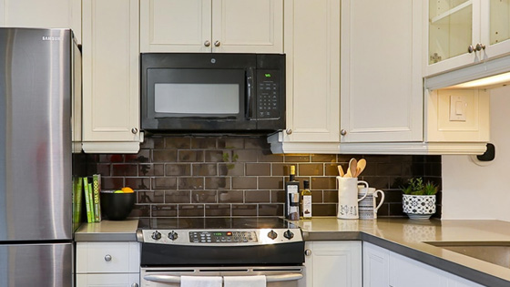 microwave-oven-vs-oven