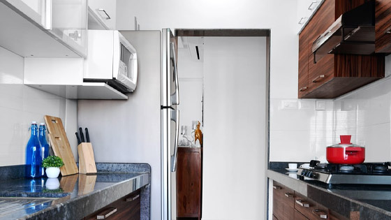 microwave-storage-idea-for-apartment-cabinet