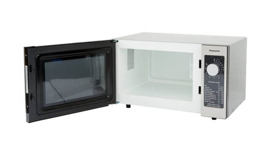 spacious-interior-of-microwave-without-turntable